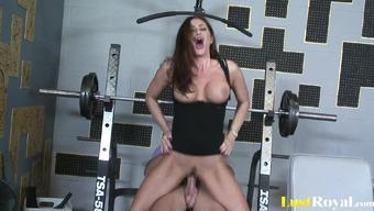 девчонки дрочат в спортзале видео-зч2